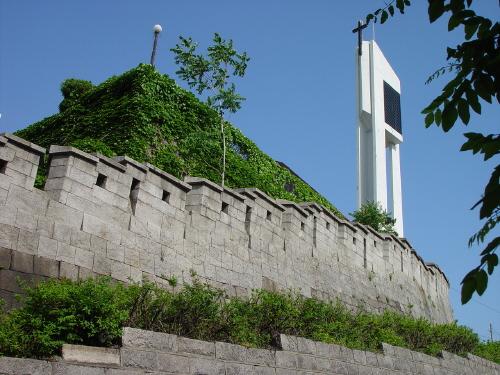 낙산으로 이어지는 서울 성곽