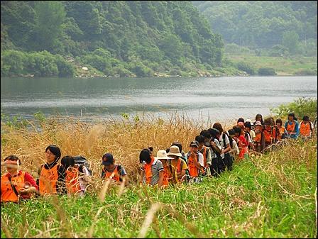 생명의 강, 그리고 사람들 '생명의 강을 모시는 사람들' 홈페이지에 실린 사진입니다.