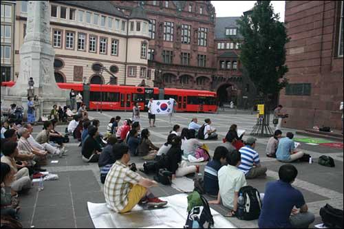 독일 프랑크푸르트에서 열린 촛불 집회