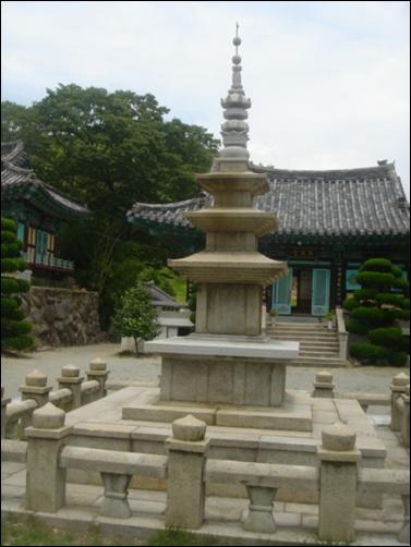 진신 사리탑