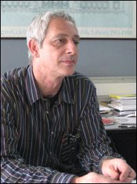 다니엘 교수.