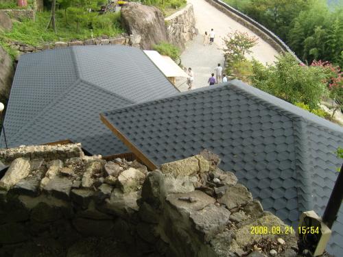 사성암의 요사채 사성암엔 이런 요사채도 있다. 현대적인 건축물로 그런대로 바위속에 어울리는 것 같다,