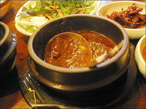 채소비빔밥 집에서 담근 강된장 맛도 아주 구수하다