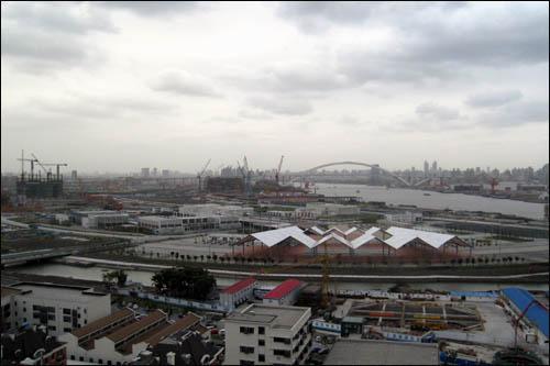 상하이엑스포 사무국 건물 옥상에서 내려다본 엑스포 공사 현장