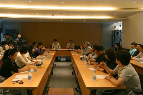 중국에서의 마지막날 아침. 연수를 정리하는 간단한 평가회 자리를 가졌다.