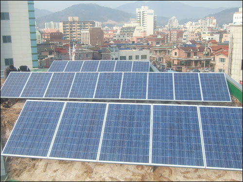 옥상에 설치된 5KW급 햇빛발전소