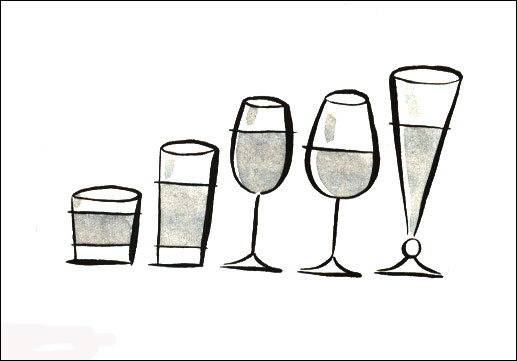 왼쪽에 있는 넓은 유리잔을 사용하는 사람들이 오른쪽의 길쭉한 유리잔을 사용하는 사람들 보다 더 많은 음료를 마시게 된다.
