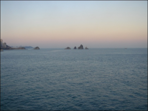 멀리도 가깝지도 않은 환상의 섬, 오륙도
