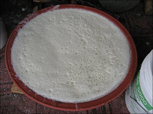 손두부 맷돌에 갈아놓은 콩물