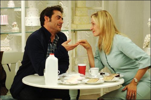 영화 <뉴욕은 언제나 사랑중>. 저 웨딩 케이크 시식 장면을 조심하라. 그림의 떡이다.