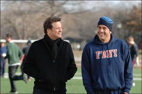 영화 <뉴욕은 언제나 사랑중>. 엠마(우마 서먼)는 심심한 성공남(콜린 퍼스)와 재미난 소방관(제프리 딘 모건), 두 남자 가운데 누구를 선택할까?