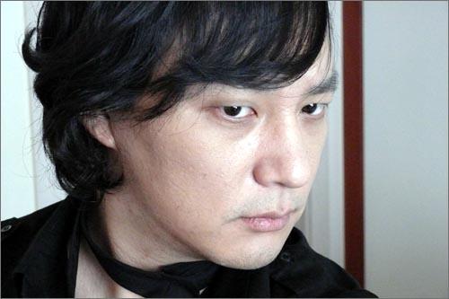 신해철닷컴에 '인증샷'이라는 이름으로 올라온 사진.