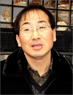 김형태 교사 교원소청심사위는 김 교사에게 내려진 '파면'을 취소하라는 결정을 내렸다.