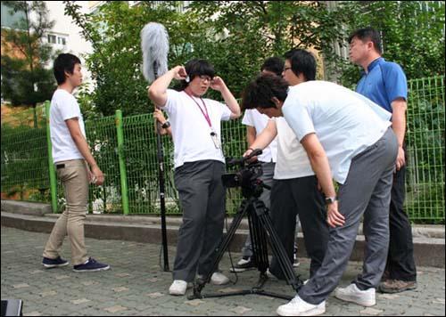 서울산업정보학교 영화영상 수업 모습. 자기 적성에 맞는 공부를 하니까 시키지 않아도 흥이 나서 연구한다.