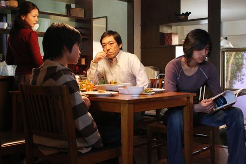 영화 <도쿄 소나타>의 한 장면