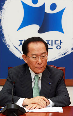 자유선진당 이회창 총재가 21일 오전 국회에서 당 5역회의를 주재하고 있다.