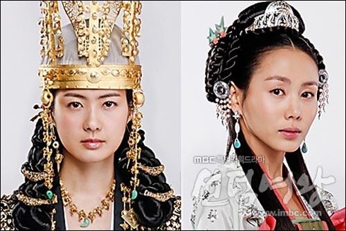 드라마 <선덕여왕>에서 쌍둥이 자매로 설정된 덕만공주(이요원 분)와 천명공주(박예진 분).