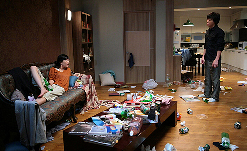영화 <내 생애 최악의 남자> 중 한 장면. 참았던 감정이 폭발하는 순간은 이런 모습보다 더 처참하다.