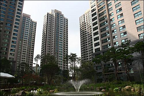 서울 서초구 반포동 '래미안 퍼스티지' 전경.