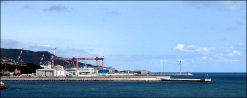 현재 울산 동구 일산동에서 바라본 현대중공업 중전기사업부. 이곳은 경치좋은 바닷가였다