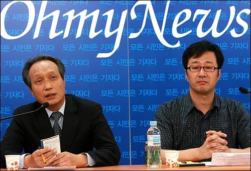17일 오후 서울 상암동 오마이뉴스 스튜디오에서 국민참여정당제안모임 이병완 실행위원장(사진 왼쪽)과 천호선 홍보위원장이 초대된 가운데 <10만인클럽 열린인터뷰>가 오마이TV를 통해 생방송으로 진행되었다.