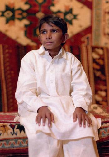 이크발 마시흐(Iqbal Masih) 파키스탄에서 카펫을 만들던 어린이 노동자 이크발은 훗날 어린이 노벨상이라 불리는 '세계 어린이상'의 첫 수상자가 된다.