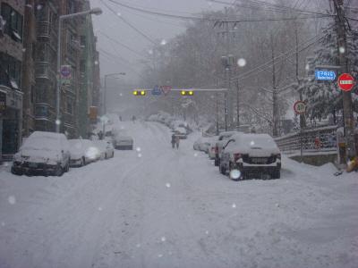 2010년 1월 4일 출근길 풍경-2 가파른 골목길에 숨이 차다.