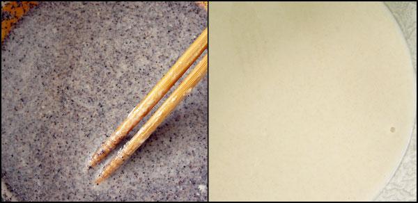 밀전병을 위한 두 가지 색 반죽 밀가루와 물의 비율은 1:1.5 정도가 적당하다. 하지만, 만들어보니 전병이 자꾸 쳐져서 밀가루를 좀 더 넣어 반죽을 되게 만들었다.