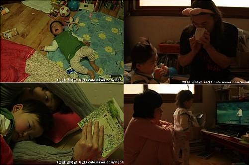 자지러지게 울고불고 하는 아이는 어느새 울음을 그치고 엄마 품에 안깁니다.
