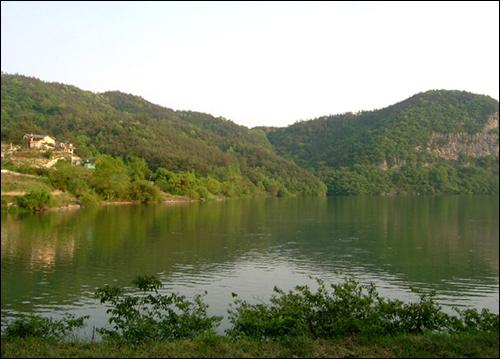 환산정에서 바라본 호수