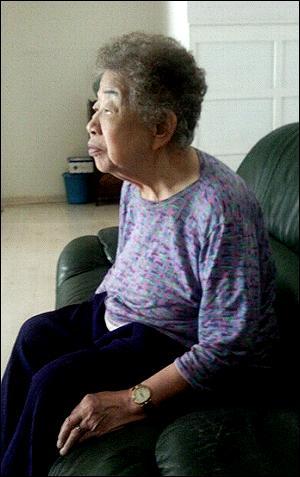 곽영주씨의 아내 신옥균(82)씨가 15일 <오마이뉴스>와 인터뷰를 하고 있다.