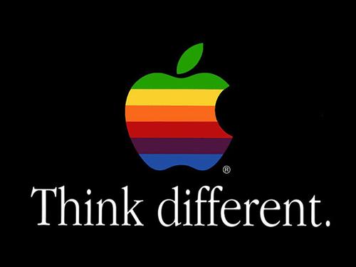 """애플 사의 오랜 모토는 """"다르게 생각하라(Think Different)""""다. 세계에서 가장 창의적인 기업으로 평가 받는 애플의 저력이 어디서 왔는지를 보여주는 사훈이다. 위계적인 기업의 문제는 '다르게 생각'하는 것이 허용되지 않는다는 점이다. '윗사람'의 생각이라면 특히 더."""