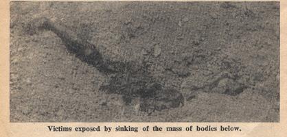 영국 일간신문 <데일리 워커>의 편집자이자 특파원인 위닝턴 기자가 1950년 학살 직후 대전 골령골 현장을 찍은 사진. 대충 묻어 놓은 흙더미 위로 희생자의 다리가 드러나 있다.
