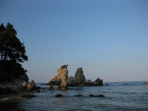 추암 해변의 형제바위