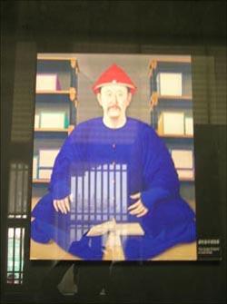 중국 북경의 자금성에 있는 강희제의 초상화