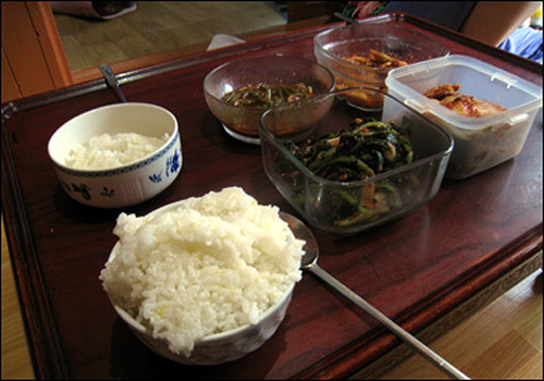 할머니 사랑 듬뿍 담긴 고봉밥