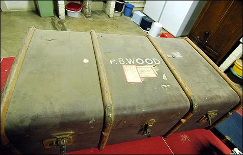다큐멘터리 영화 <잊혀진 가방>의 실제 소재가 된 한 선교사의 가방