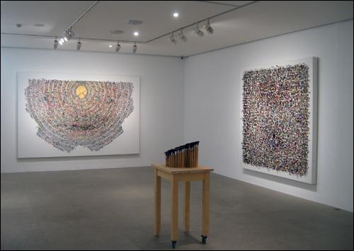 '평면의 진동' 2008(좌). '팔레트' 115×50×60cm 2002. '공간회화' 2000(우)