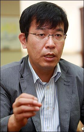 군사전문지 D&D포커스 김종대 편집장.