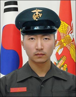 23일 북한의 연평도 포격 사건으로 사망한 고 서정우 병장.