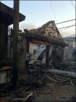 포탄 맞은 연평마트 주민들에 따르면 10여년 전에는 보안대 건물이었다고 한다.