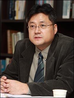 홍익표 북한대학원대학교 겸임교수.