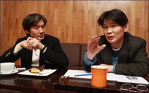 조국 서울대 법대 교수, 김호기 연세대 사회학과 교수(오른쪽).