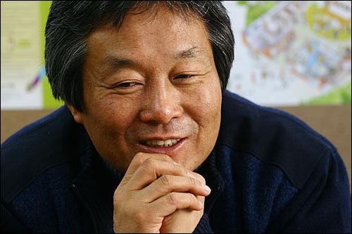 """""""한국 사회는 자기가 인권 침해 당할 때는 민감한데 다른 사람들의 아픔은 외면하기 일쑤죠"""""""