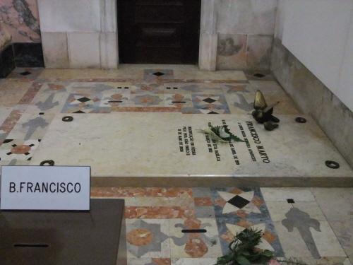 프란치스코의 무덤