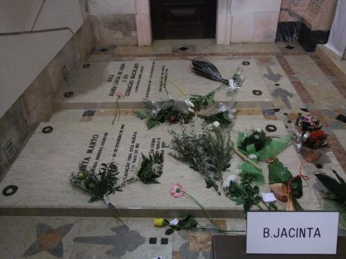야신타와 루치아의 무덤