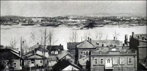 1900년대 초 자유시 풍경. 흑룡강 지류인 쩨야강 연안에 위치하며 시베리아 횡단철도가 통과함.