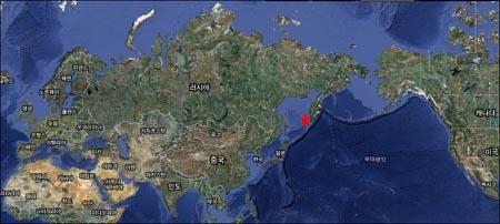 유라시아대륙. 붉은 별표 부분은 본문에서 언급될 캄차카반도.
