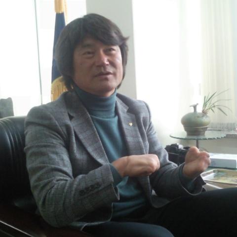 산악인 '김홍빈' 인터뷰 장면