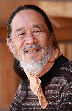 작품 <뿔뱀>으로 연암(박지원)문학상에 당선한 표성흠 작가.
